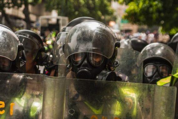 La aritmética del caos. Riots. Libros Prohibidos