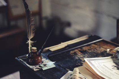 Historia torcida de la literatura. Plumas. Libros Prohibidos