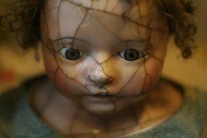 De terrores y otras alegrías. Muñeca. Libros Prohibidos